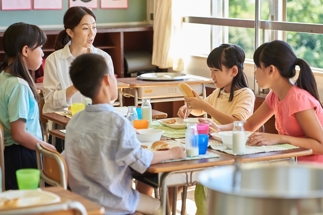 小学校の給食(イメージ)